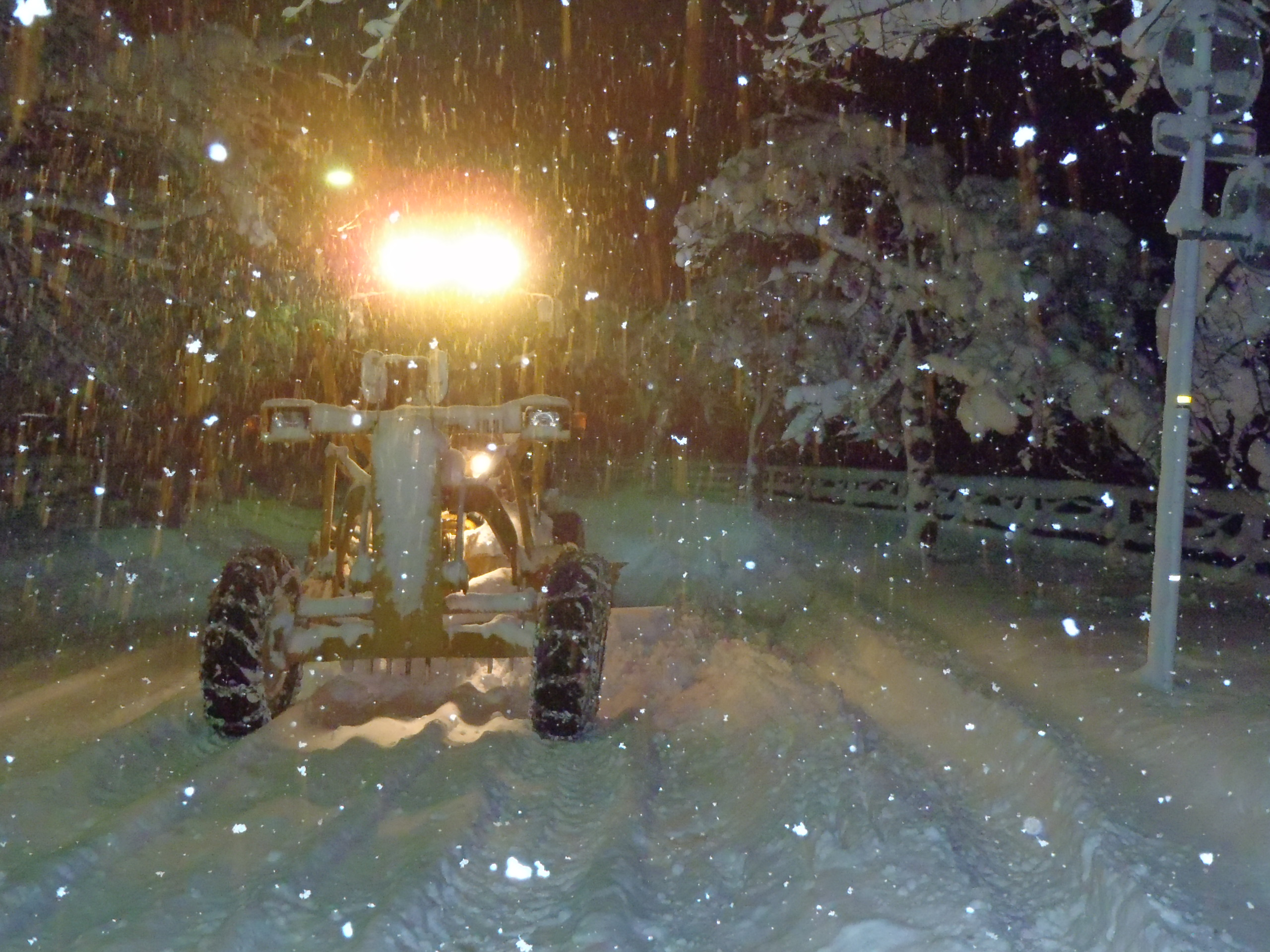 市道除雪・グレーダー除雪作業