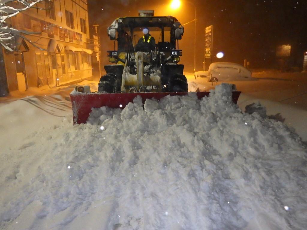 市道除雪・ブルドーザー除雪作業